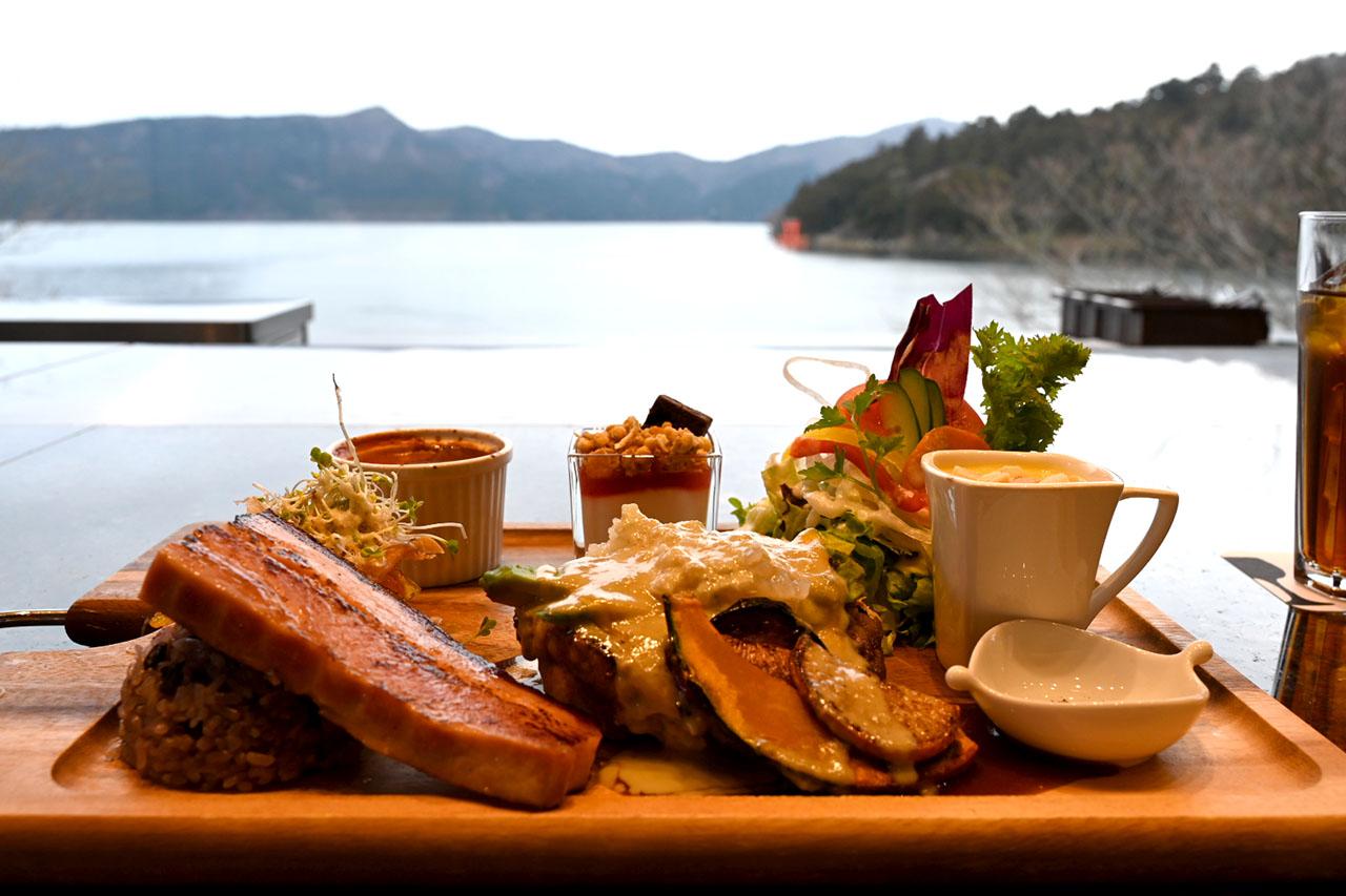 仙石原、湖尻、元箱根など各エリアに立ち並ぶ、美味しいお店の数々
